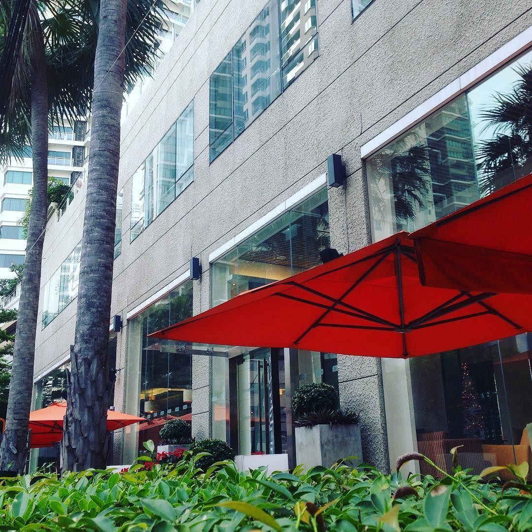 オシャレなレストランも多いですね タイ バンコク レストラン 街並み 観光 旅行 自分磨き 成長 ココア ここあかな Cocoacana 街並み 旅行 バンコク