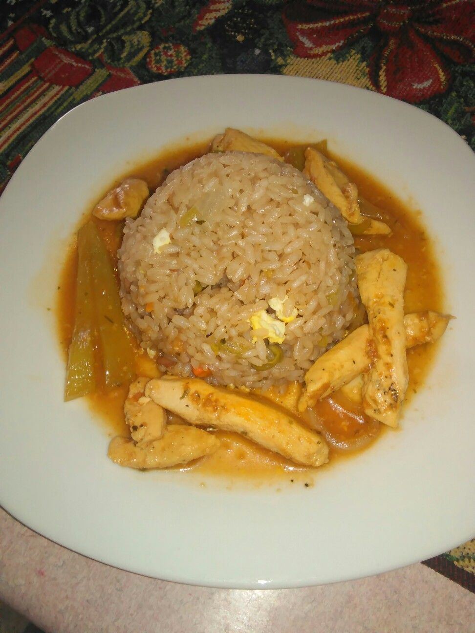 Chiken in sauce honey and rice wt consume  By chef talita