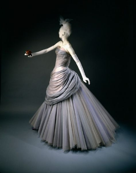"""Swan"" dress | Charles James | American | 1955 | silk, nylon | Wadsworth Atheneum Museum of Art"