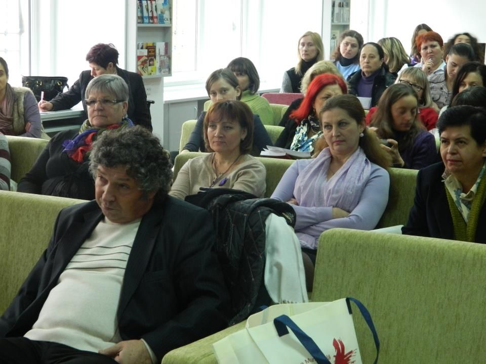"""Clubul """" Biblioteca Mov """" la filiala Transilvania - 16 noiembrie , 2011"""