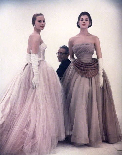 Victor Frank Stiebel with two fashion models, 1953
