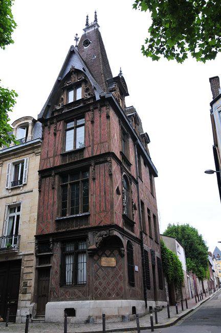 ROUGE MARE  -  Rouen - Seine Maritime