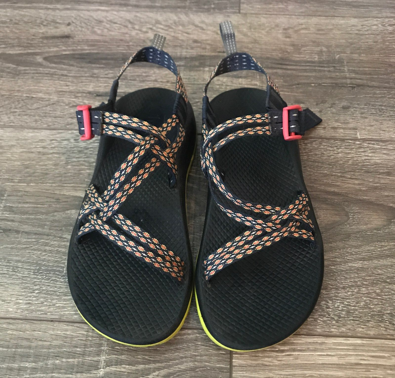 Like New Chacos Size 5 In Kids Fits Like A 7 In Women S Womens Chacos Chacos Women