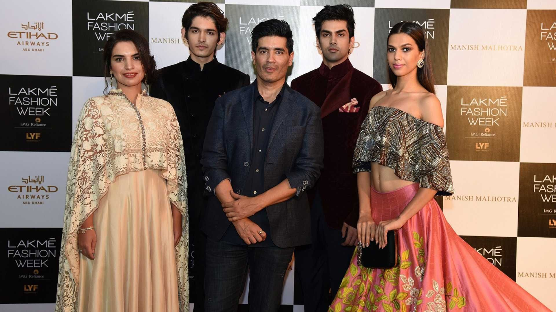 You Can See Manish Malhotra S Upcoming Collection Through Virtual Reality Indian Fashion Designers Indian Fashion Fashion