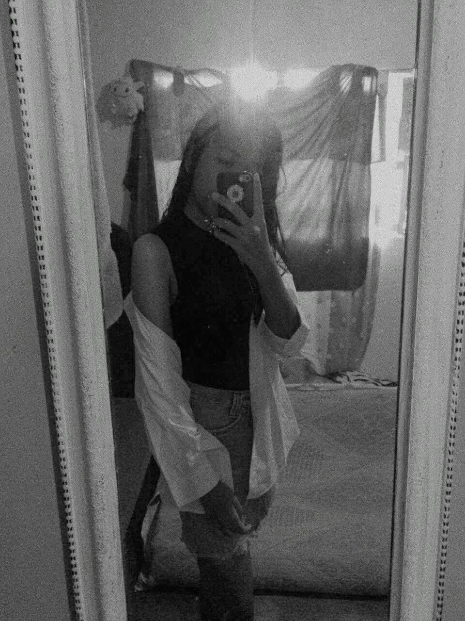 B&W #mirrorselfie #mirrorselfiepose #pose #selfie