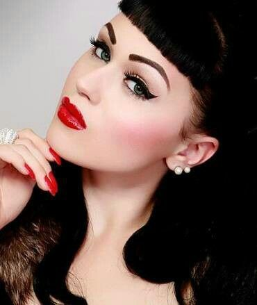 makeup Vintage hair up pin and