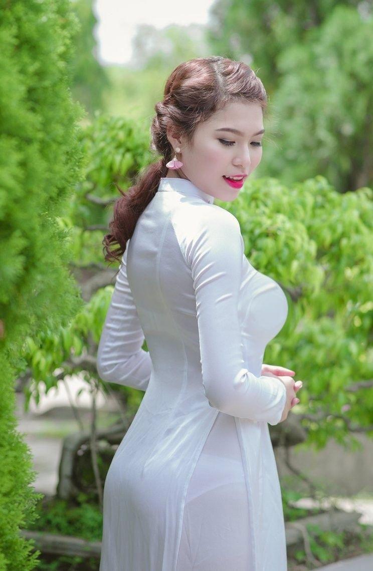 Beautiful Vietnamese Women | Sản phẩm làm đẹp, Áo dài, Phụ nữ