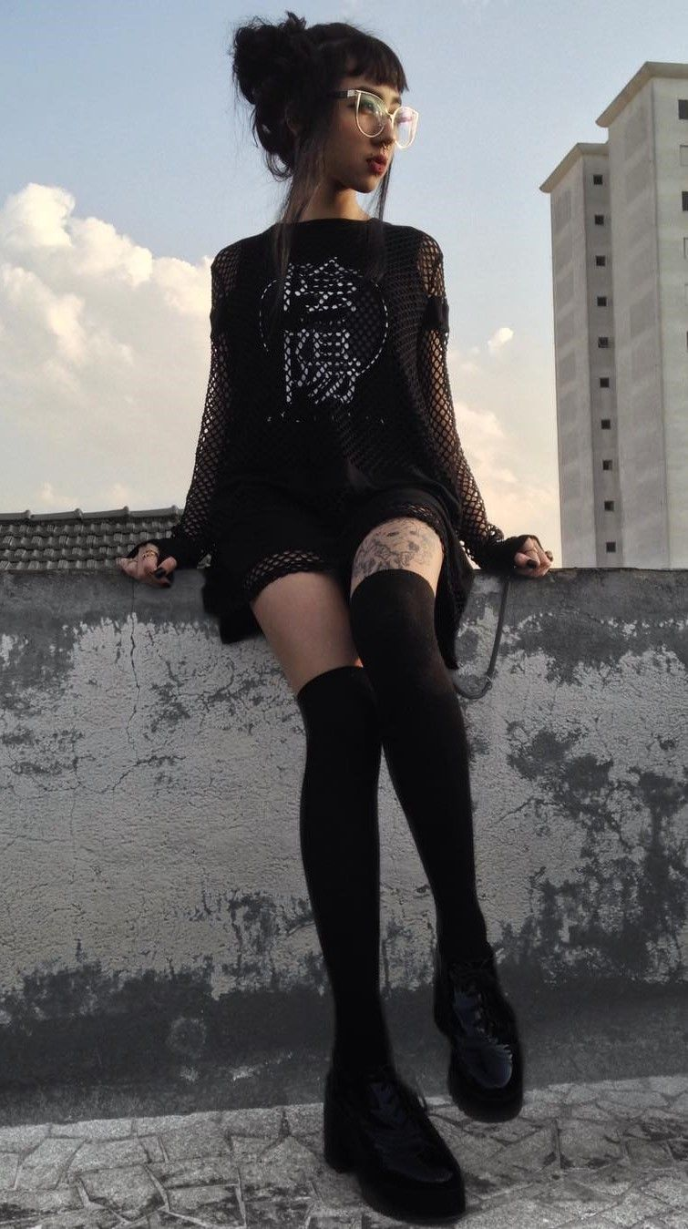 36 Black Outfits Ideas Worth Checking Out High Knees Knee Socks And Leather Shoes
