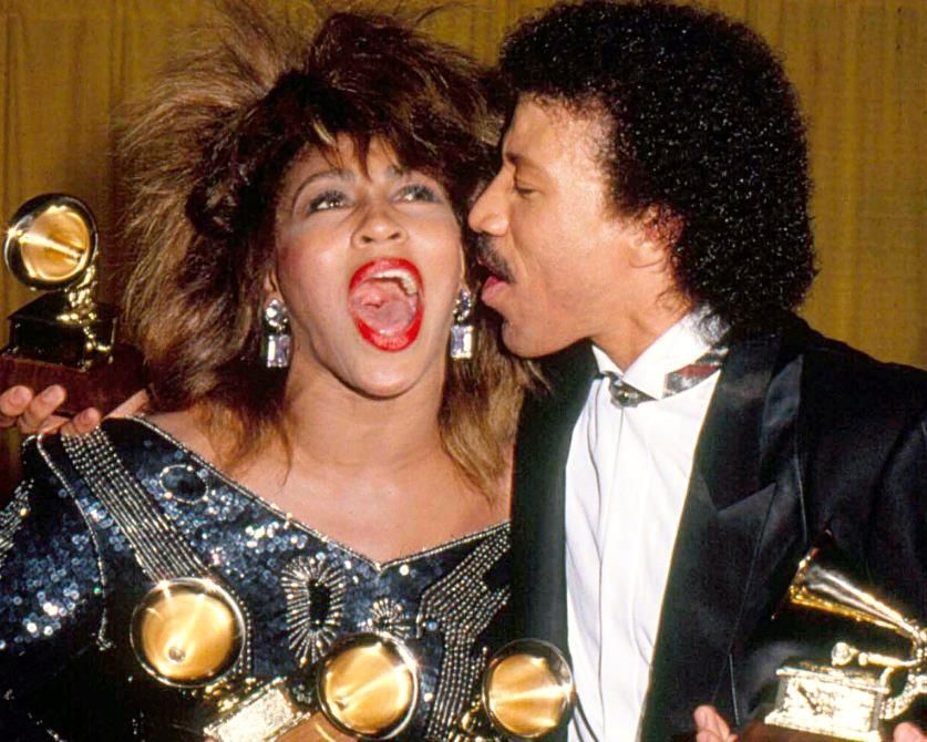 Tina Turner and Lionel Richie at the 1985 Grammys