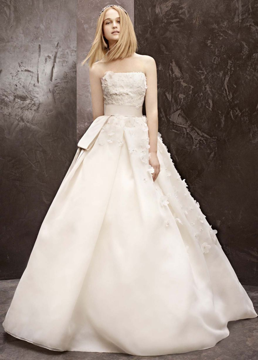 Basket Weave Organza Gown With Floral Detail David S Bridal Wedding Dresses Vera Wang Vera Wang Bridal Gown Vera Wang Bridal