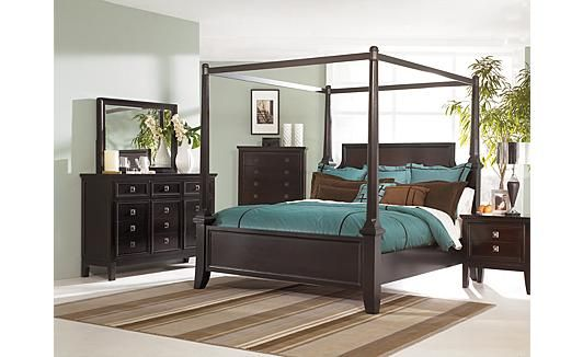 Love This Bedroom Set Just Worried A Canopy Bed Will Make Our Room Look Small S Canopy