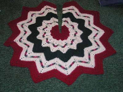 Free Crochet Patterns For Christmas Tree Skirts Wreaths Decor