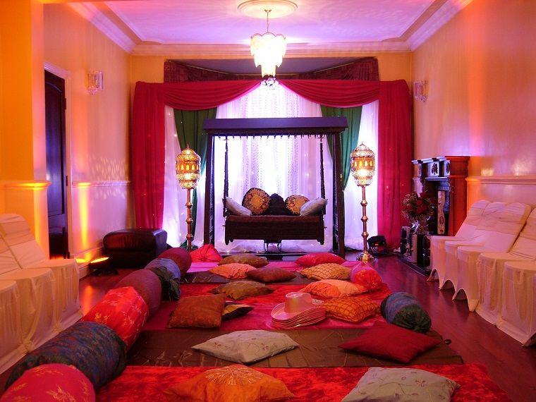 Camera Da Letto Marocco : Arredamento etnico con cuscini e tende colorate college domino