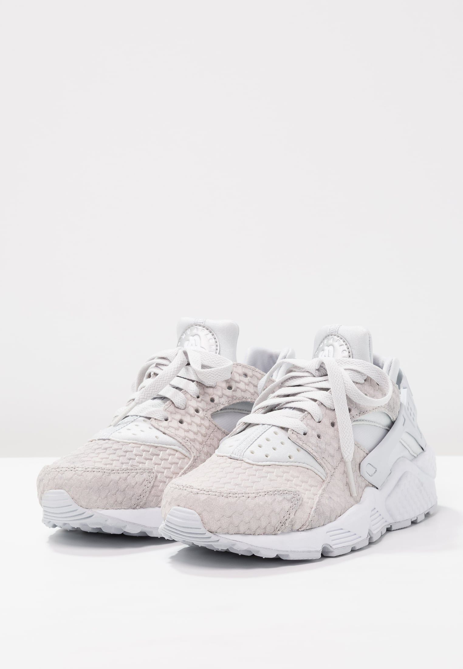 Nike Sportswear AIR HUARACHE RUN PREMIUM - Zapatillas pure platinum/white/metallic silver