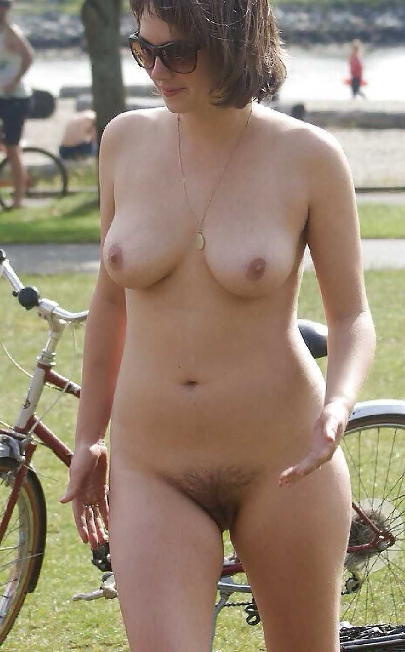 pocket bike sexy girls naked