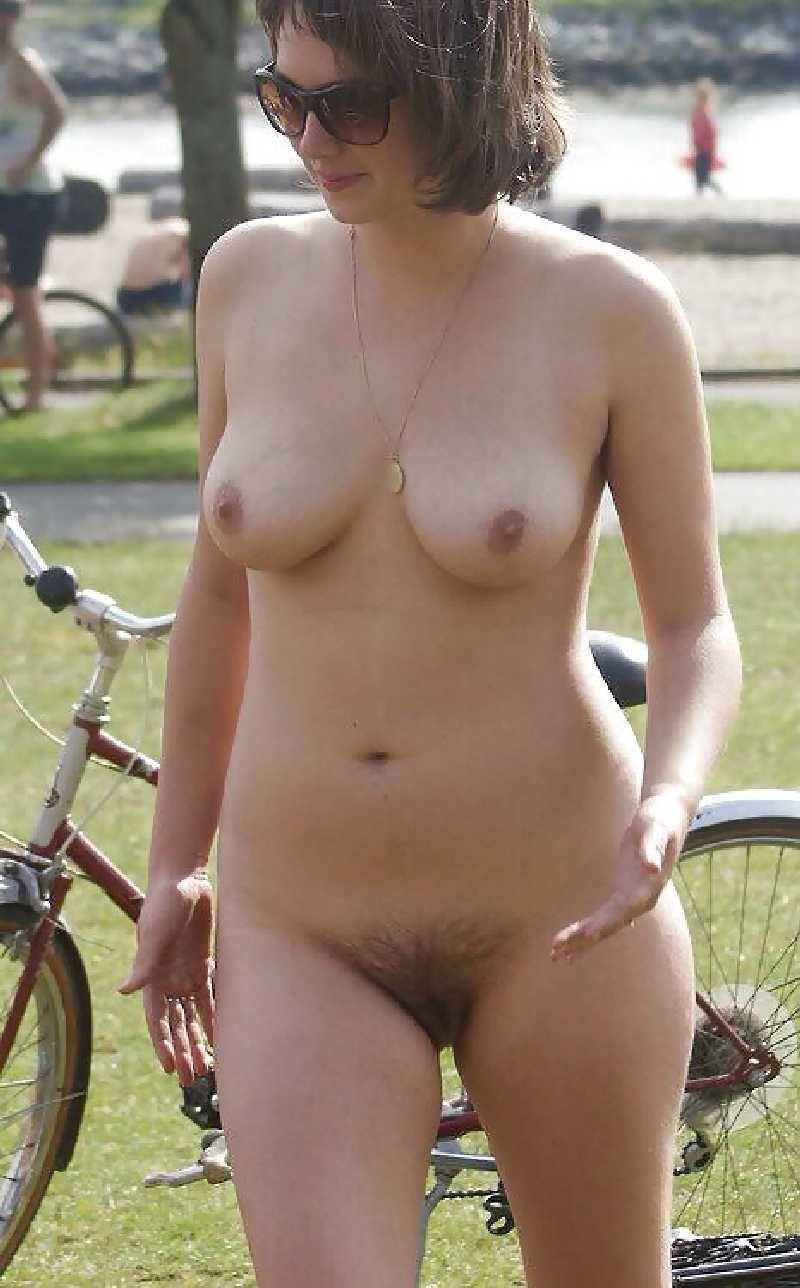 pocket bike sexy girls naked