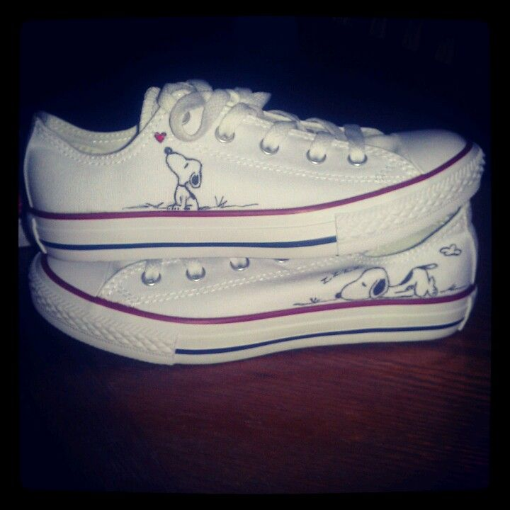 020db05f5a5 Hand painted Snoopy on my Converse shoes