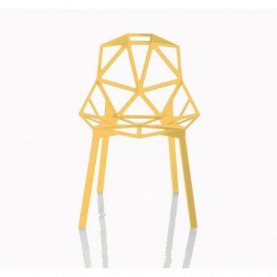 chaise chair one 4 pieds jaune chaise chair one 4 pieds chaise empilable par 8 assise en fonte d aluminiumtraite au titane fluore et vernien polyester