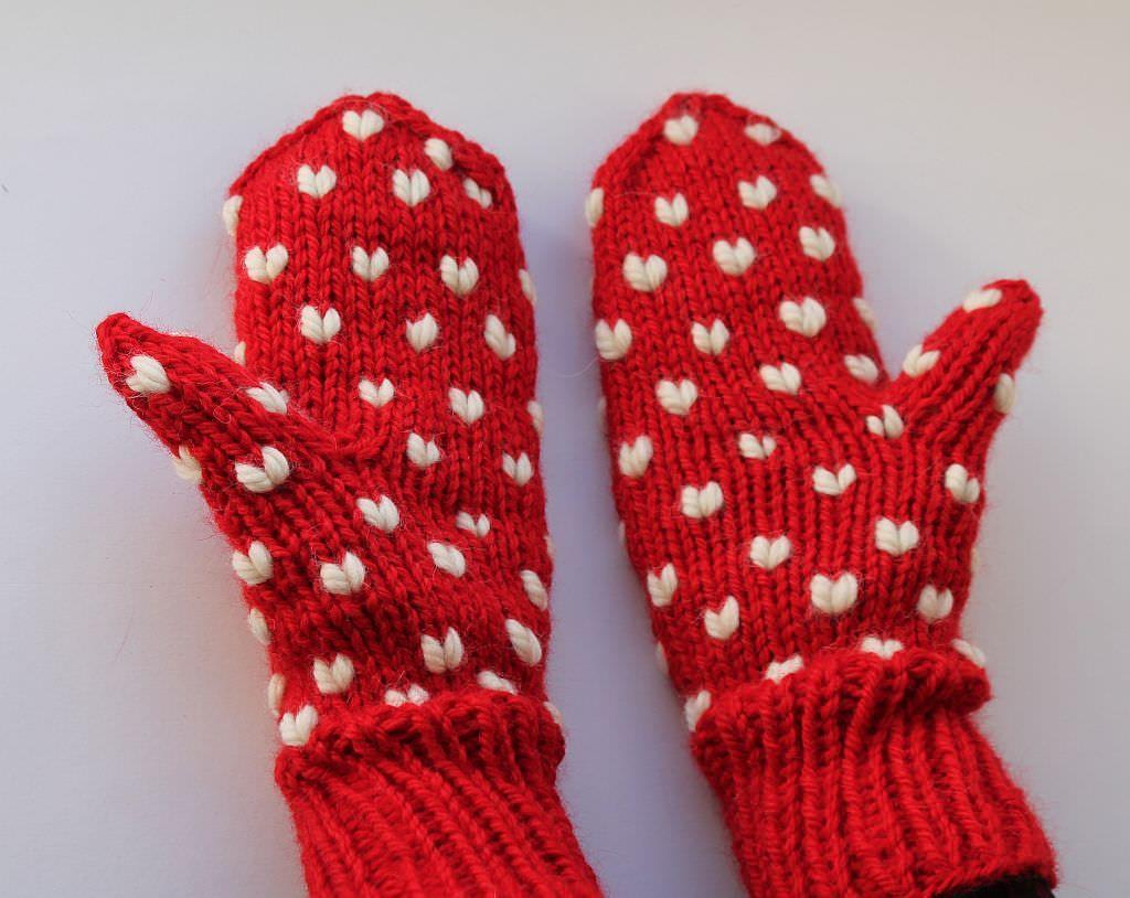Handschuhe mit Herzen stricken   Handschuh, Strickanleitungen und ...