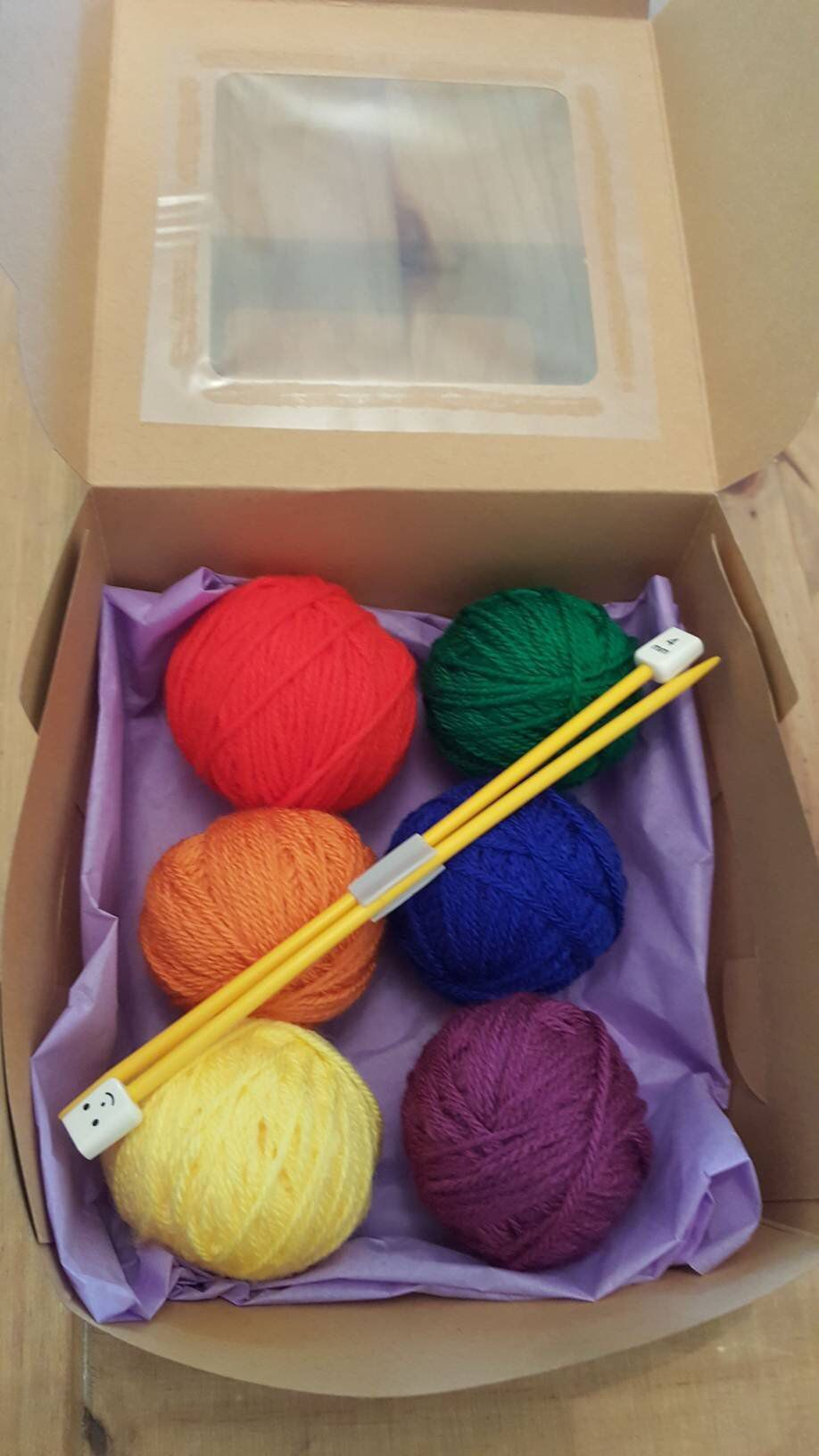 CHILDREN/'S KNITTING KIT WITH KNITTING NEEDLES AND WOOL