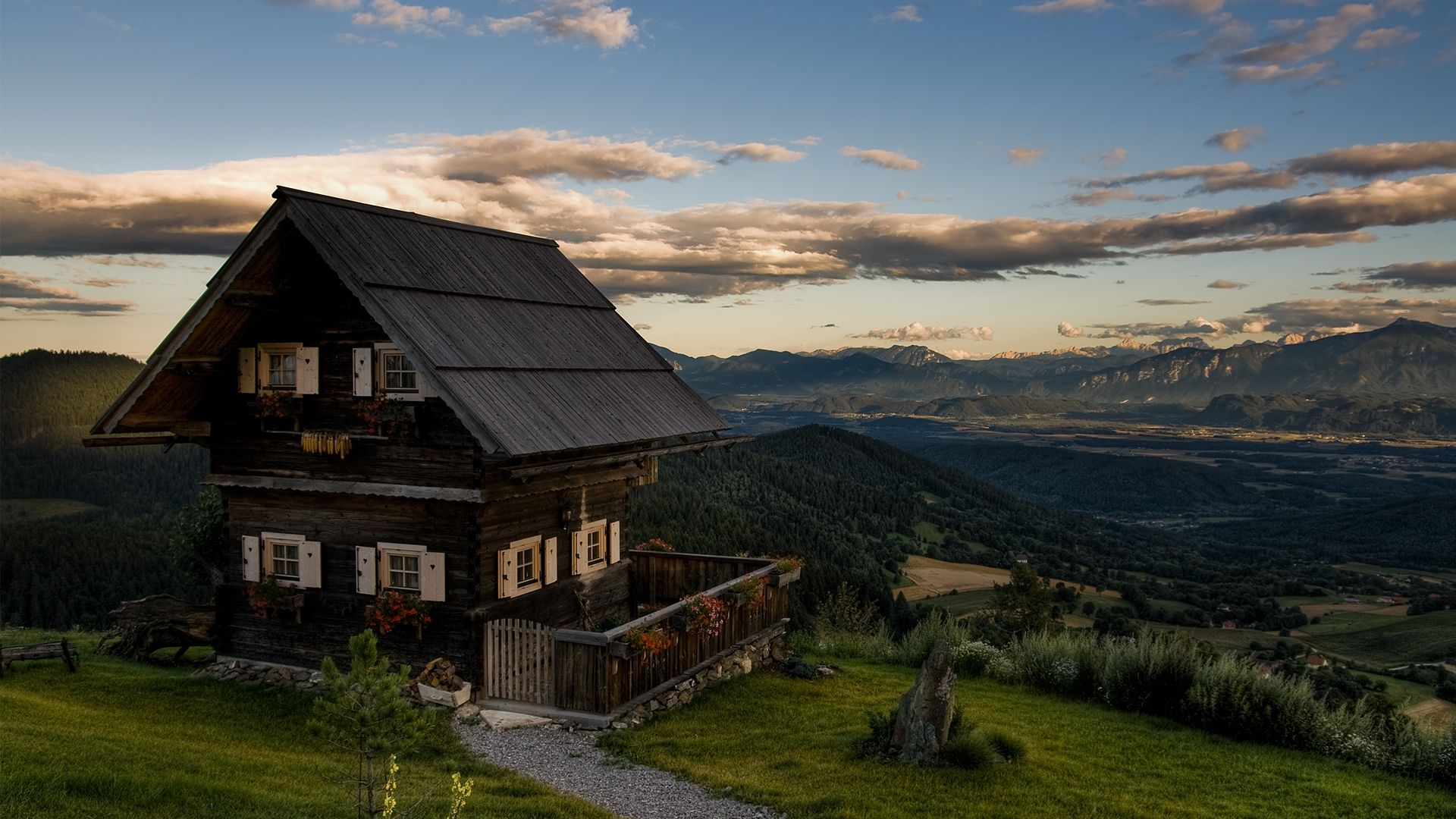 House In The Mountains - Nucdata.com