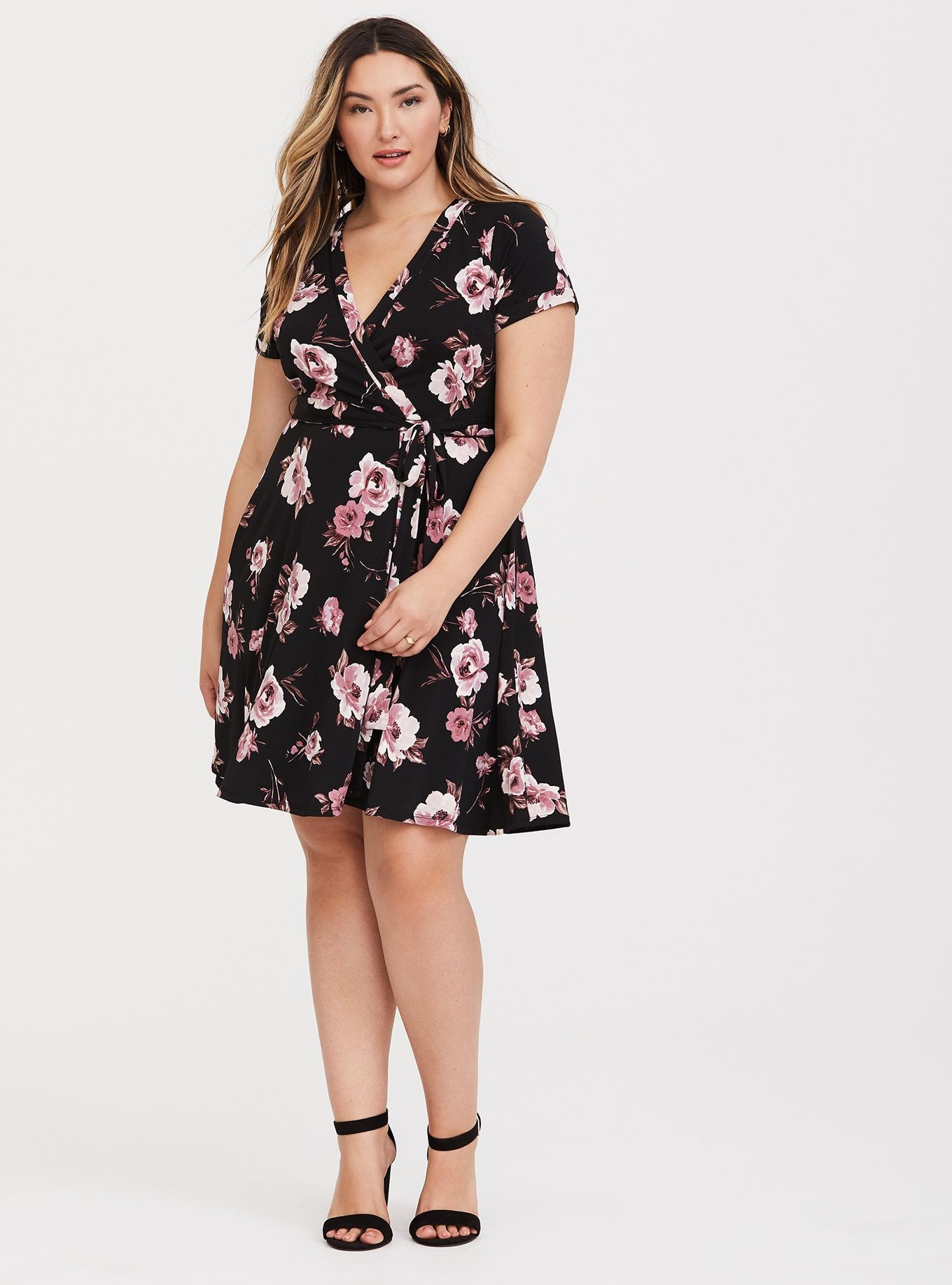 Mel Top Of Show Date Outfit Either Stretchy Or Wrap Around For A Quick Change Plus Size Summer Dresses Wrap Around Dress Plus Size Dresses [ 1836 x 1360 Pixel ]