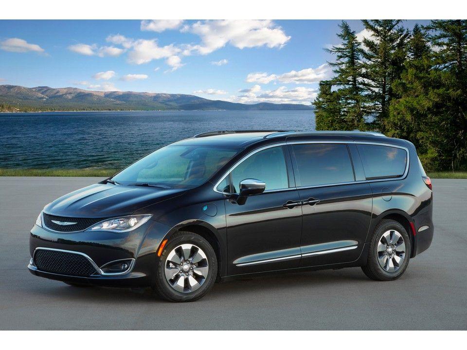 Pin By ᴊᴏᴇ Sʟᴀɢʟᴇ On Chrysler In 2020 Chrysler Minivan