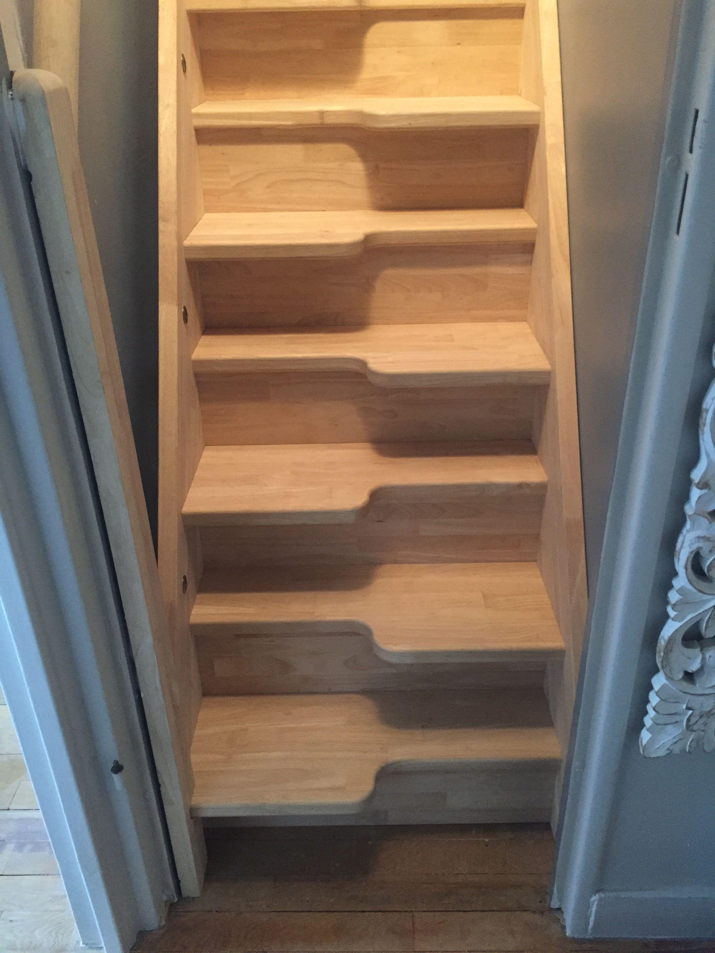 escalier pas japonais pour gagner de la place escalier. Black Bedroom Furniture Sets. Home Design Ideas