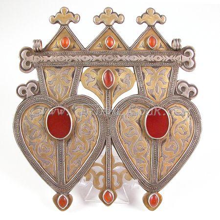 http://www.tribalsouk.com/asyk-turkoman-silver-pendant-p-1854.html
