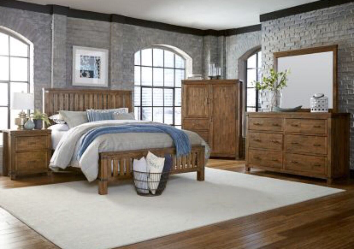 Distressed Wood Bedroom Set | Maine Craftsman Everett Collection