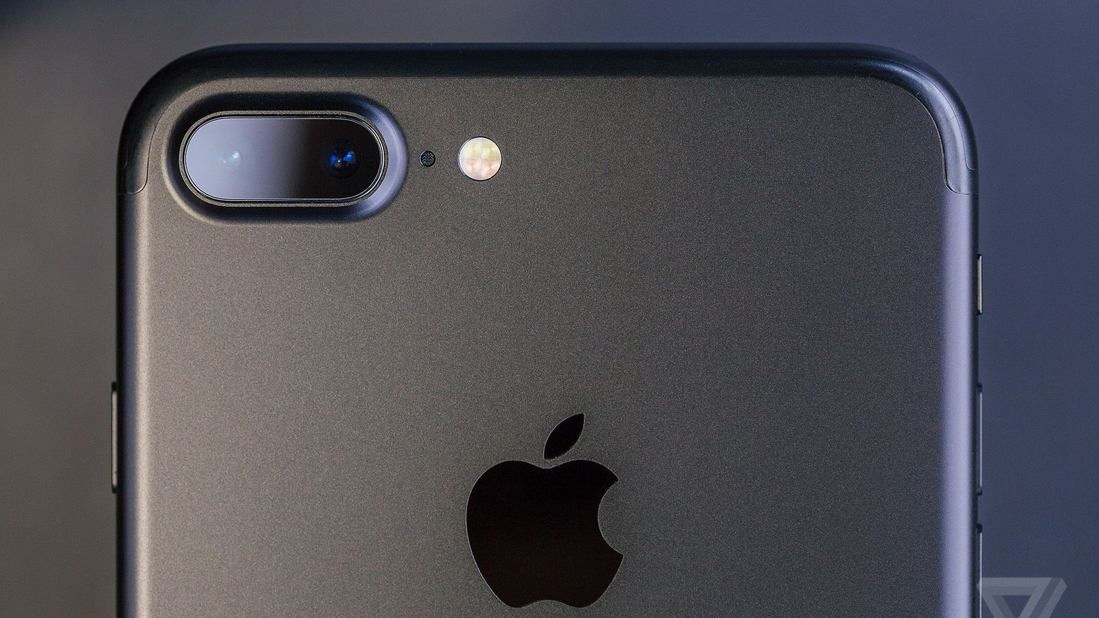 https://goo.gl/Bxrc2w Apple put together a bunch of bite-sized iPhone camera lessons