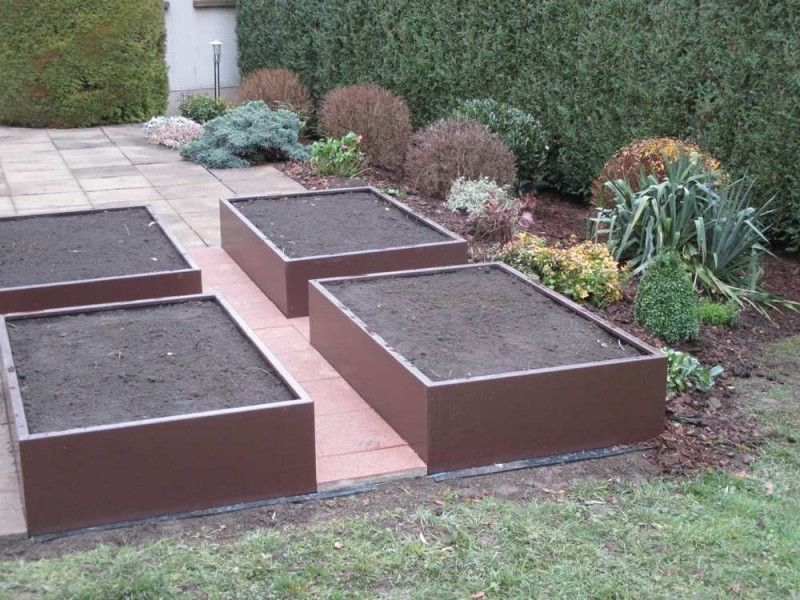 Comment faire un potager en carre resistant en fer metal aluminium inox zing jardin for Bac carre potager bois