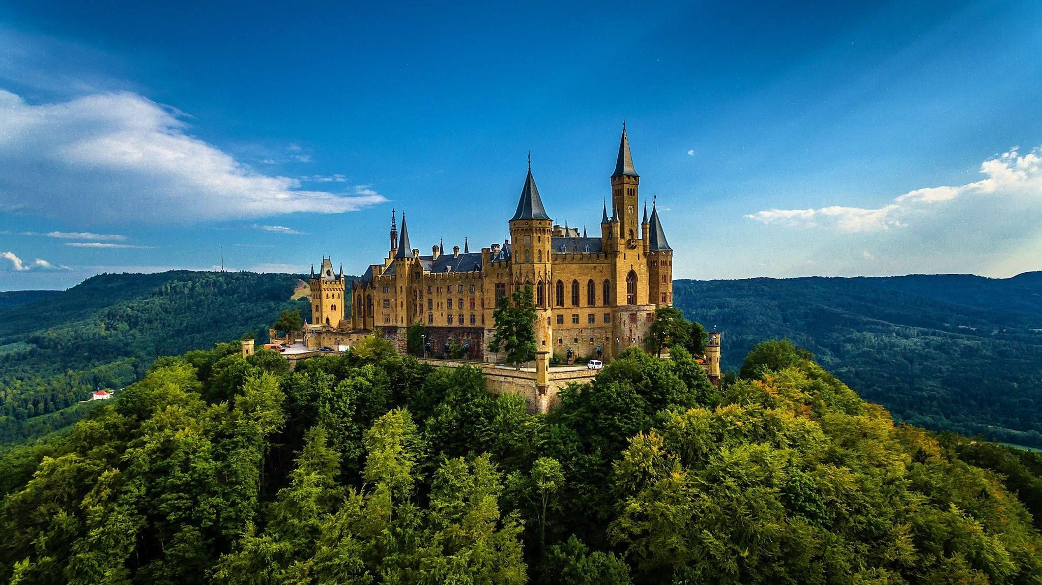 Hohenzollern Castle The Fairytale On The Northwestern Edge Of The Swabian Alb Hohenzollern Castle Germany Castles Castle