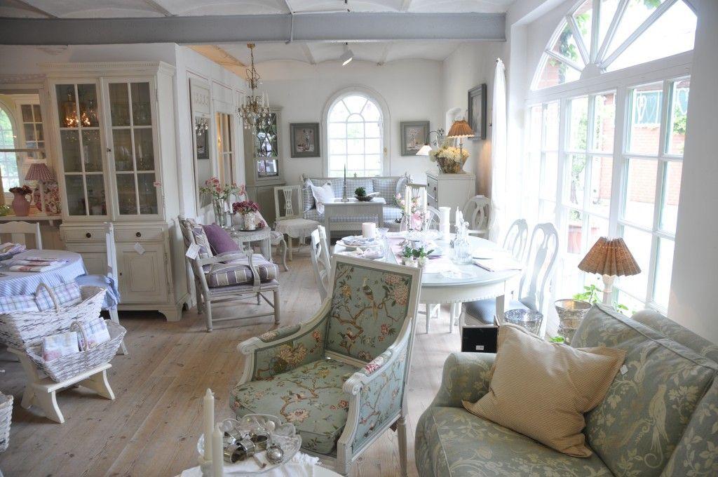 rundgang durch schwedenstil schweden stil cozy cottages pinterest schweden und stil. Black Bedroom Furniture Sets. Home Design Ideas