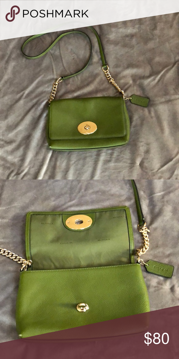 407235d324  80 Green Coach Crossbody Bag Green crossbody bag in excellent condition!  Has only been used once. Coach Bags Crossbody Bags
