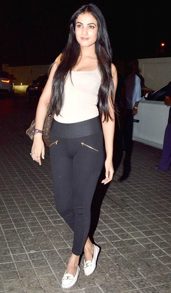 Sonal Chauhan At The Special Screening Of Gori Tere Pyaar Mein Bollywood Fashion Style Beauty Sexy