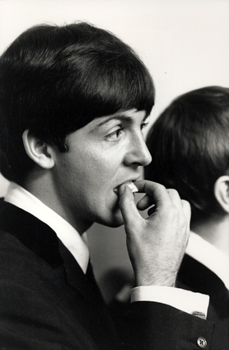 Paul With That Neat Haircut Beatles Pictures The Beatles Paul Mccartney