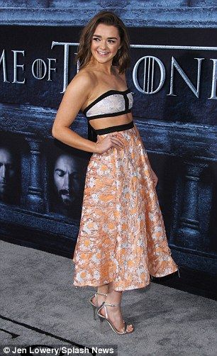 Maisie Williams Attends Game Of Thrones Premiere Daily Mail Online