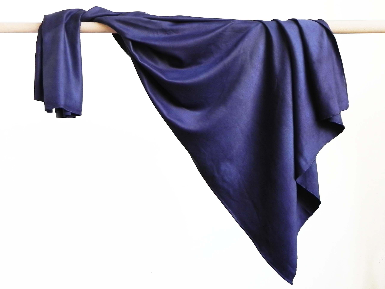 d6ae976b7089 Etole de tweel de soie teinture naturelle de bois de campêche Réalisé par  la marque Rézéda