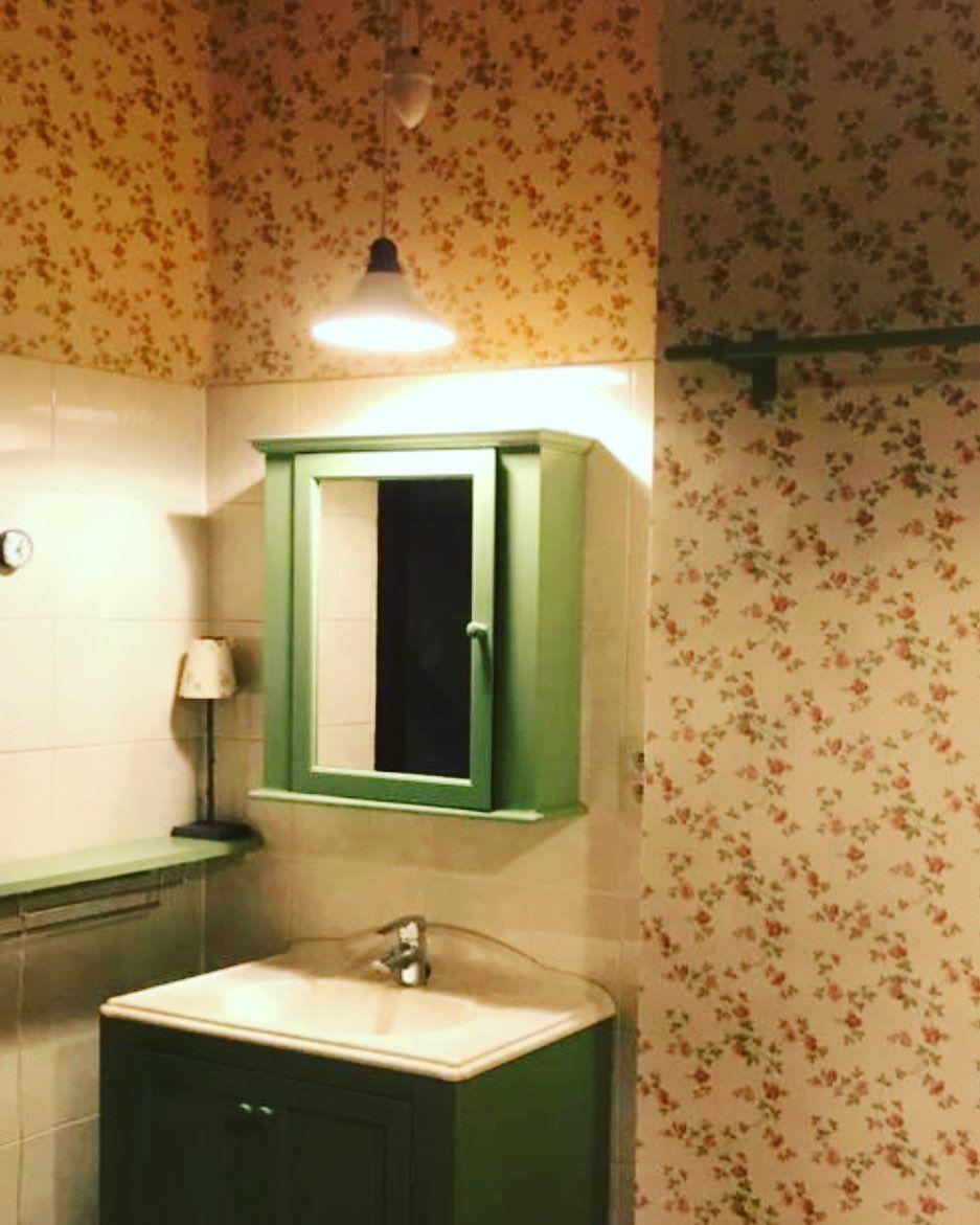 Zo zotjes retro  Hoe een oude badkamer toch hip maken met een klein budget  Fotos