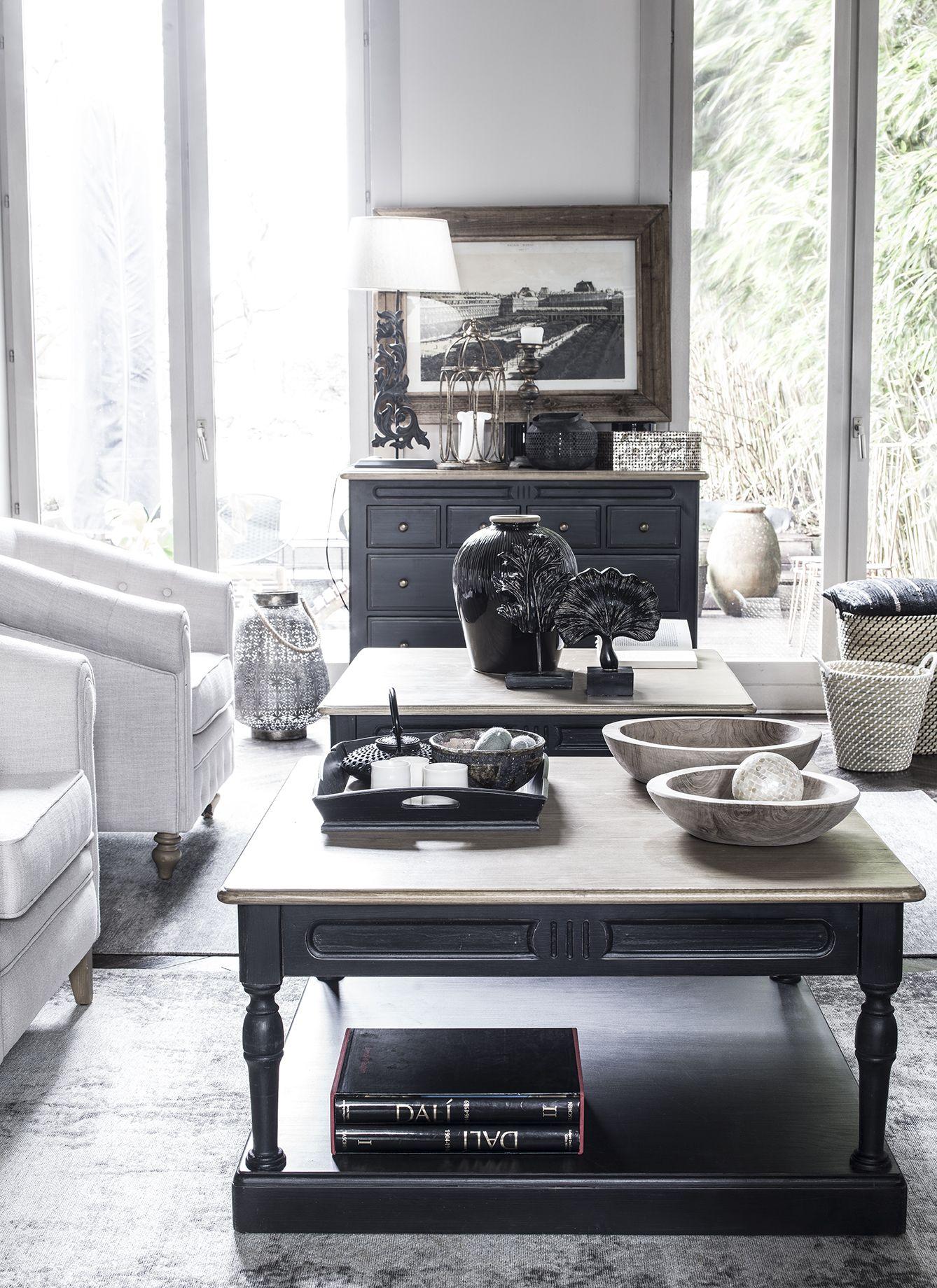 La Collection De Meubles Manoir S Appuie Sur Le Melange De Meubles De Style Bourgeois Du Xviiieme Siecl Table Basse Carree Noire Table Basse Carree Table Basse
