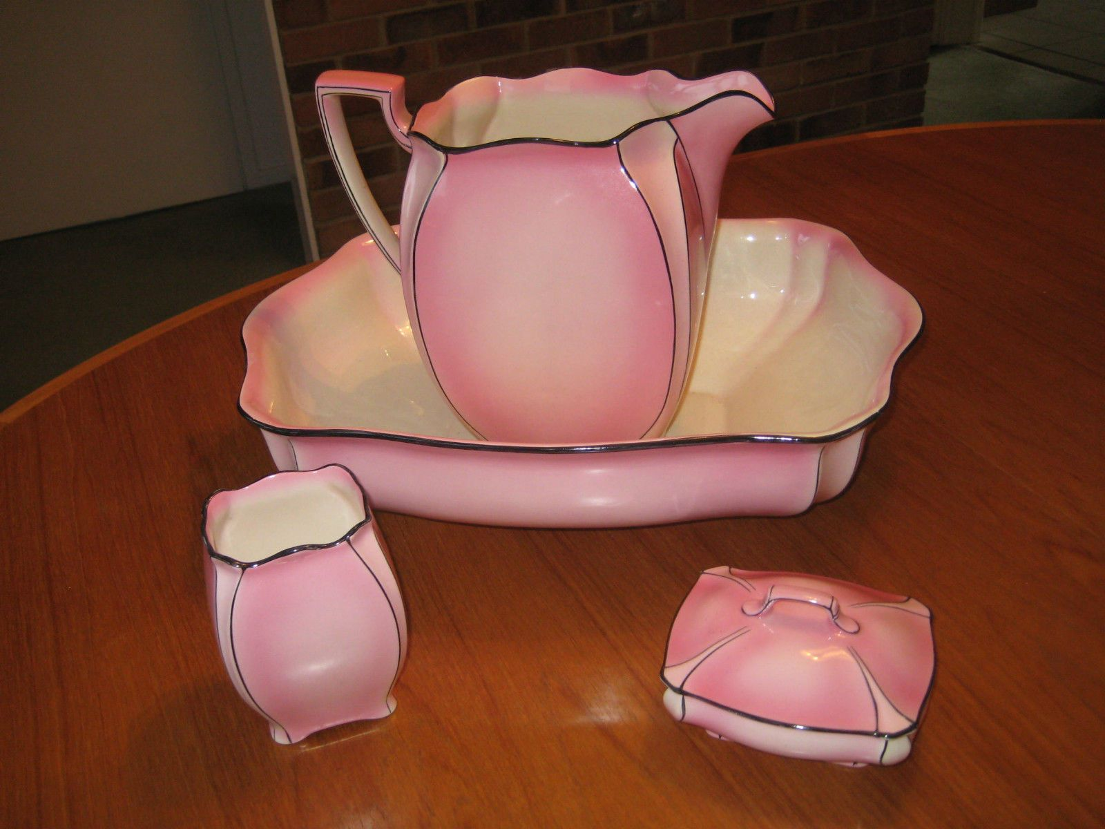 Vintage royal winton grimwades wash stand set jug basin soap vintage royal winton grimwades wash stand set jug basin soap dish vase etc reviewsmspy