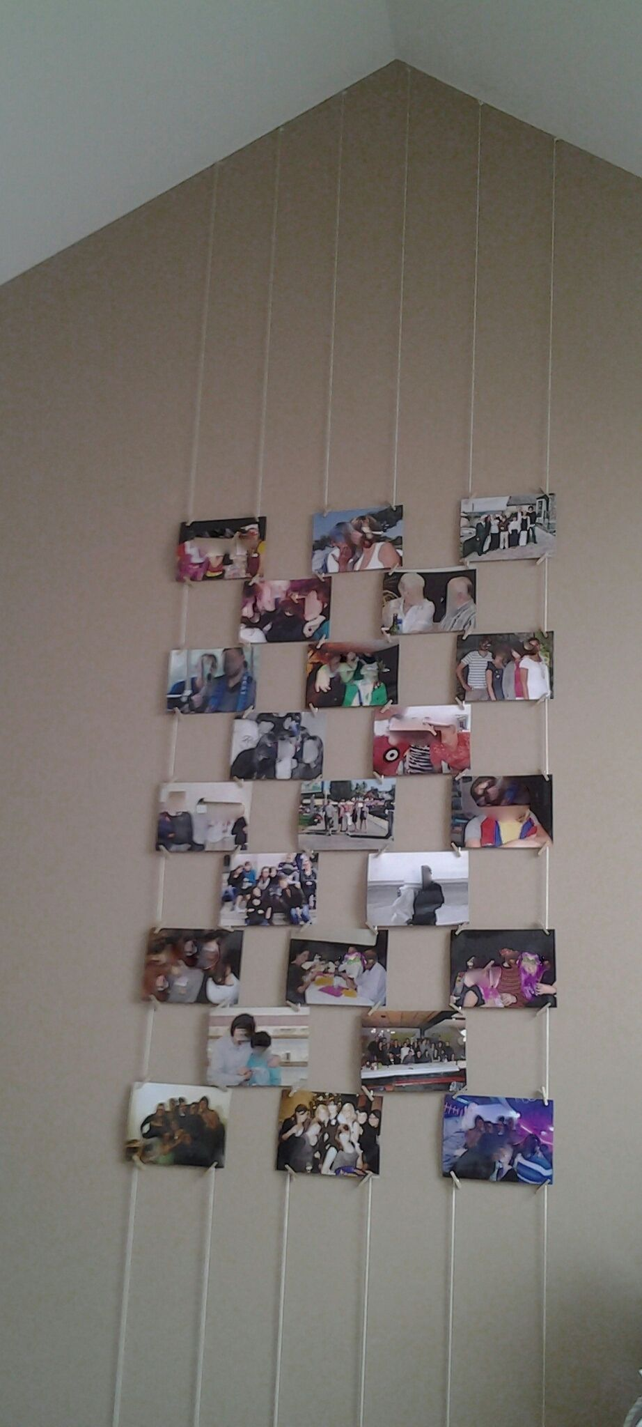 Accroche Mur Sans Trou cordes et pinces à linges miniatures pour afficher des