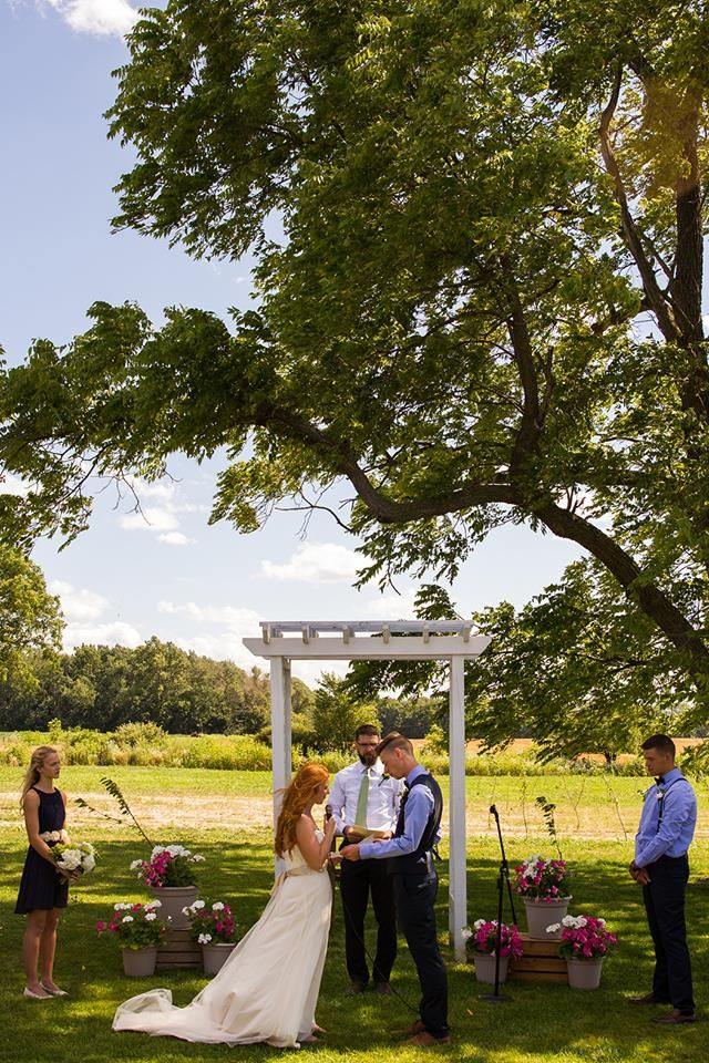 Cherry Barc Farm Wedding Venue Photo Provided By Alicia Heximer Photography Http Aliciaheximer Com Farm Wedding Venue Farm Wedding Wedding Venues