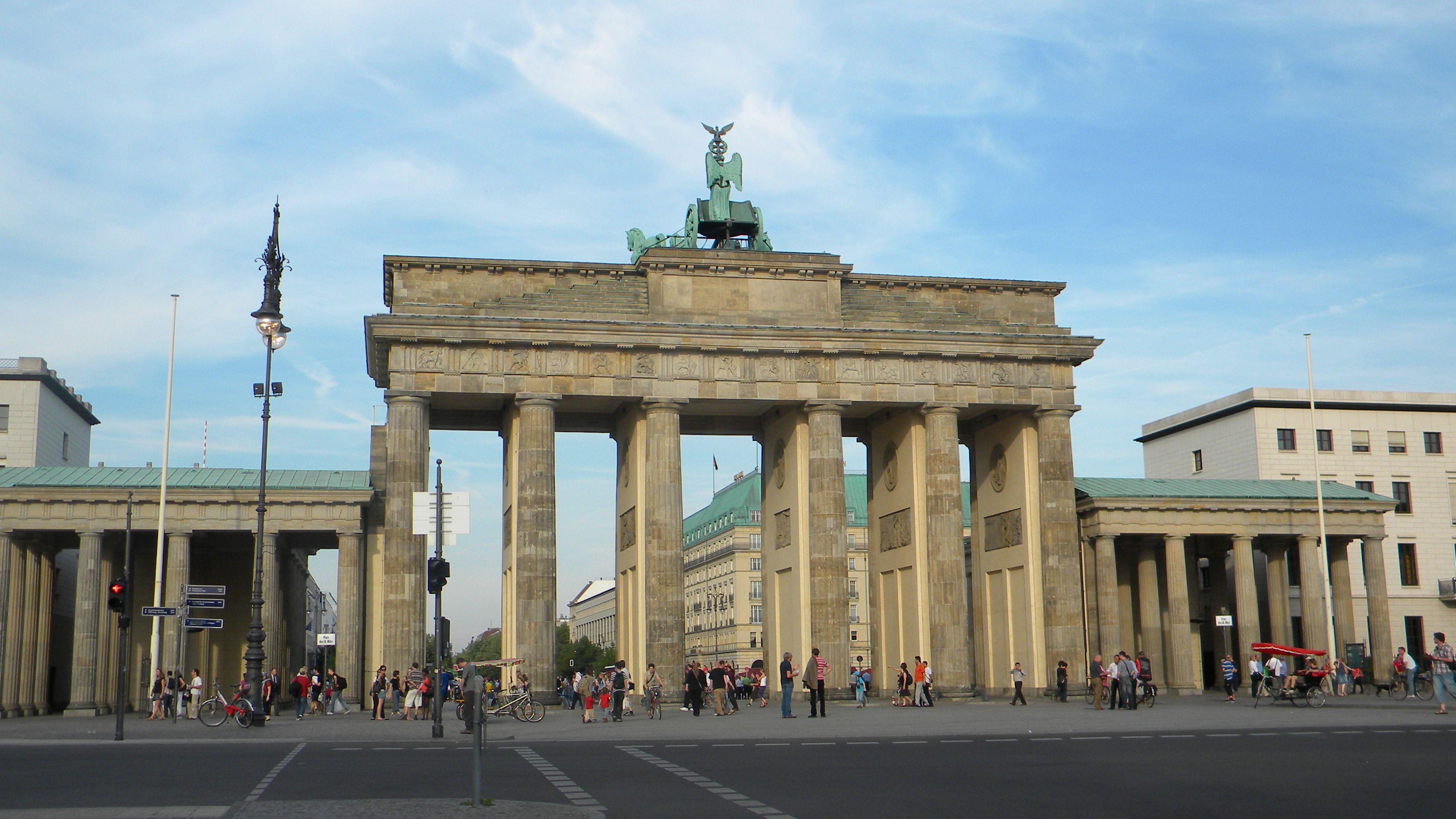 Brandenburger Tor Brandenburg Gate Berlin Places Lamp Post Structures