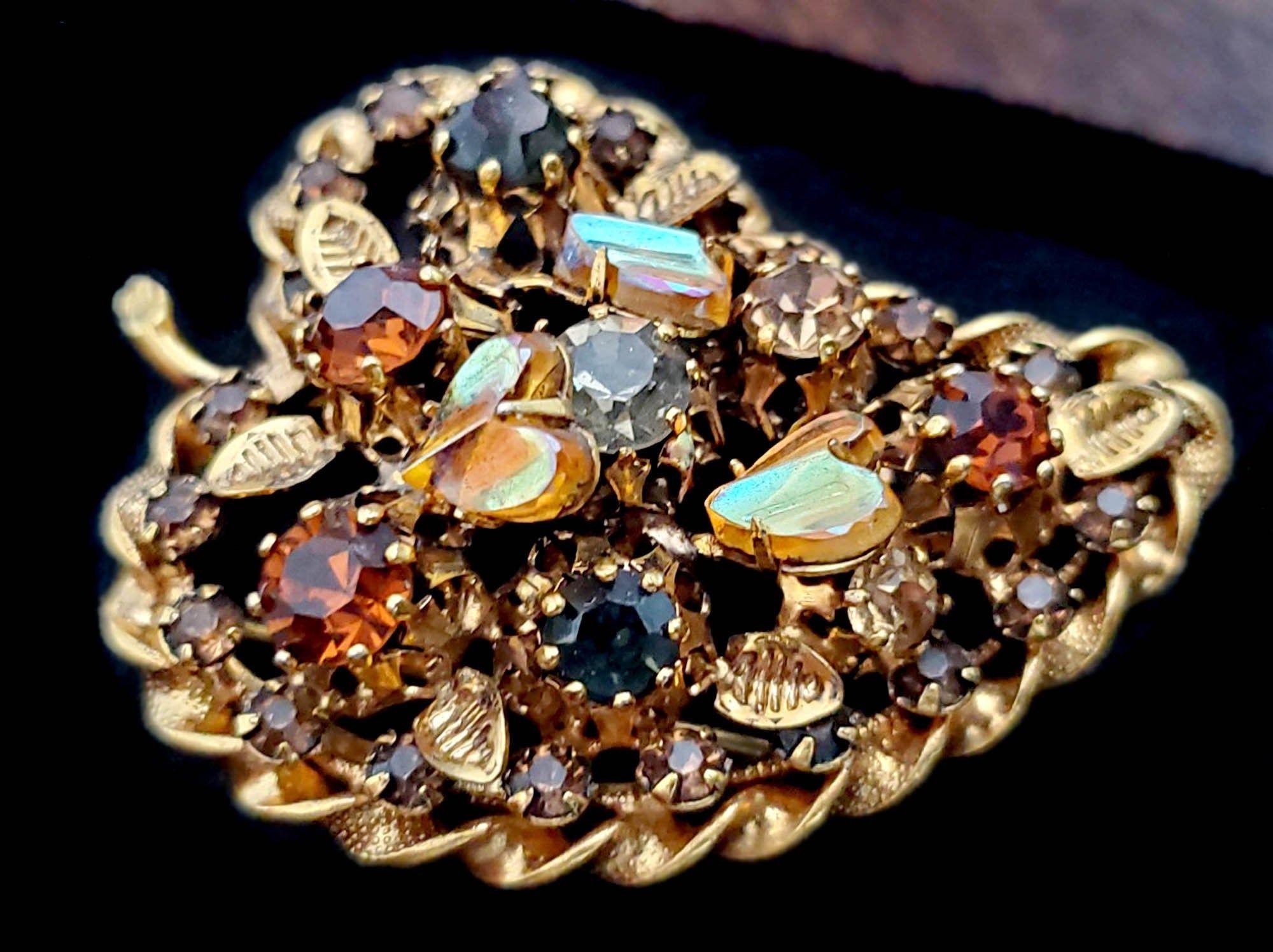 Vintage Carolee lee gold tone leaf w rhinestone brooch pendant