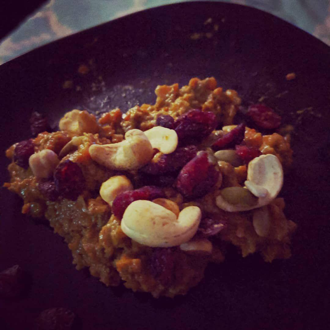 Sweet Indian dessert Gajar ka Halwa.... Gajar ka halwa