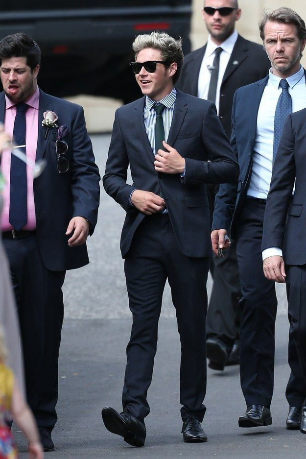 Now we will look at Niall. He also looked dapper in this dark suit. | This Is How The Boys Of One Direction Dress For A Wedding