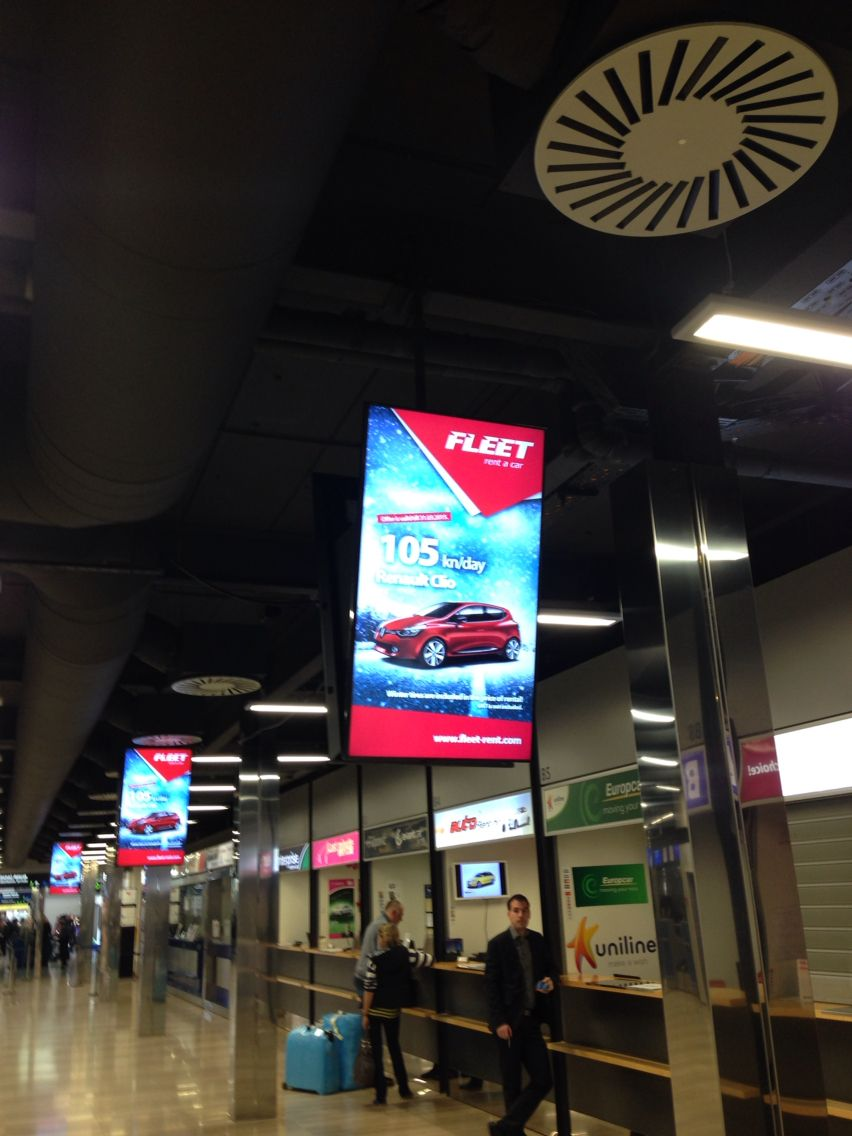 Clear Channel Airport Zagreb Croatia Digital Signage Signage Digital