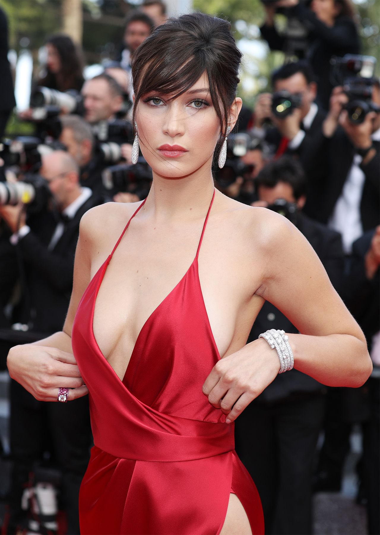 Pin von Daniel Ryba auf Bella Hadid (Cannes) | Pinterest